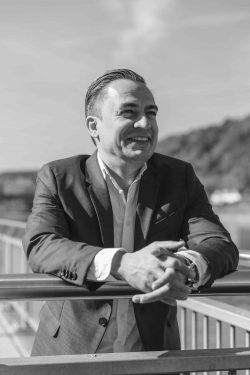Simon-Treutlein-Gründer-von-swellfeel®towel